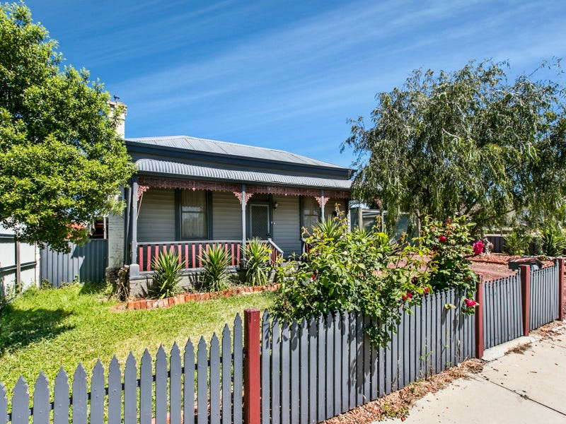 17 Dowding Street, California Gully, Vic 3556