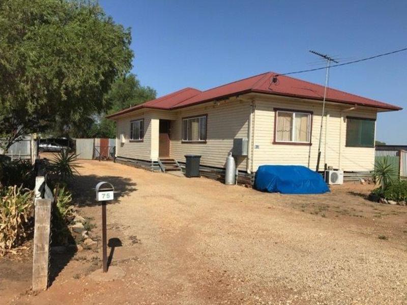73-75 Coonong St, Urana, NSW 2645