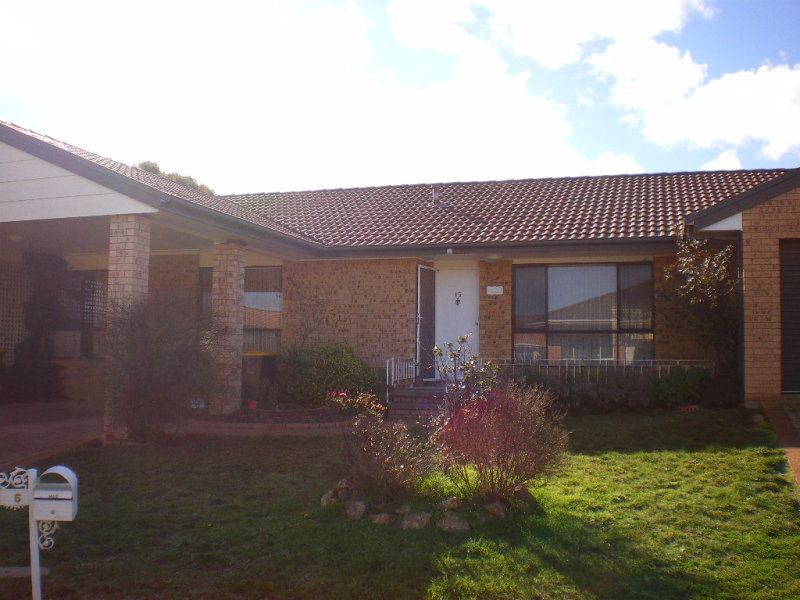 15 PARKSIDE PLACE, Goulburn, NSW 2580