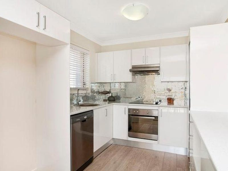 11 Gordon Street, Eleebana, NSW 2282