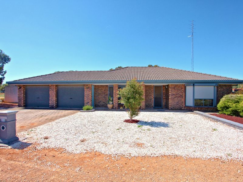 18-20 South Terrace East, Snowtown, SA 5520