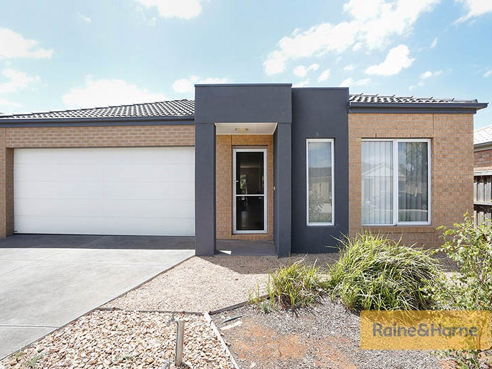 30 Barleygrass Crescent, Brookfield, Vic 3338