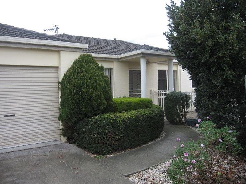 2/9 Chestnut Avenue, Morwell, Vic 3840