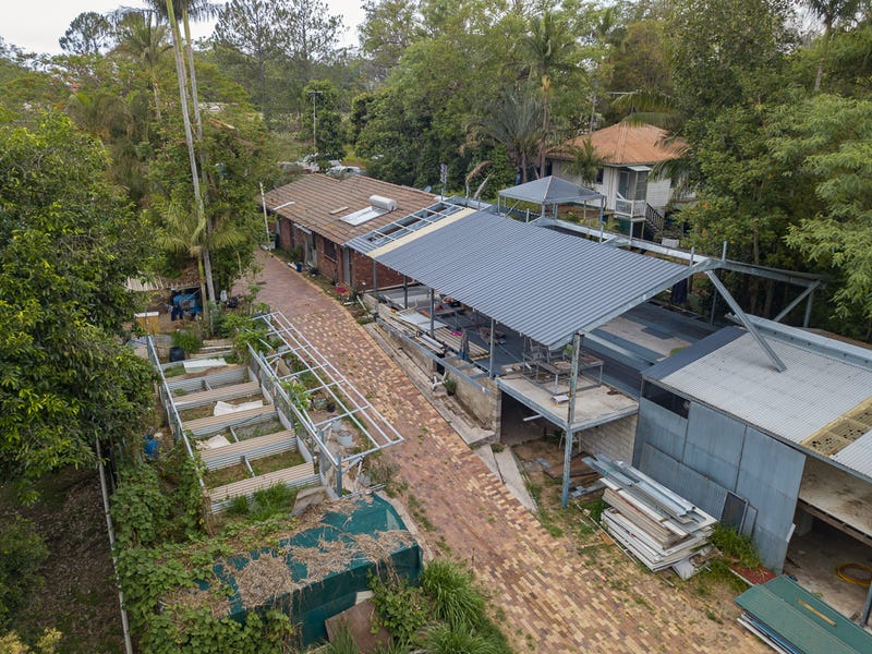 6 Barrs Road, Glass House Mountains, Qld 4518
