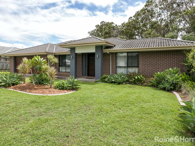 8 PYRUS PLACE, Redland Bay, Qld 4165