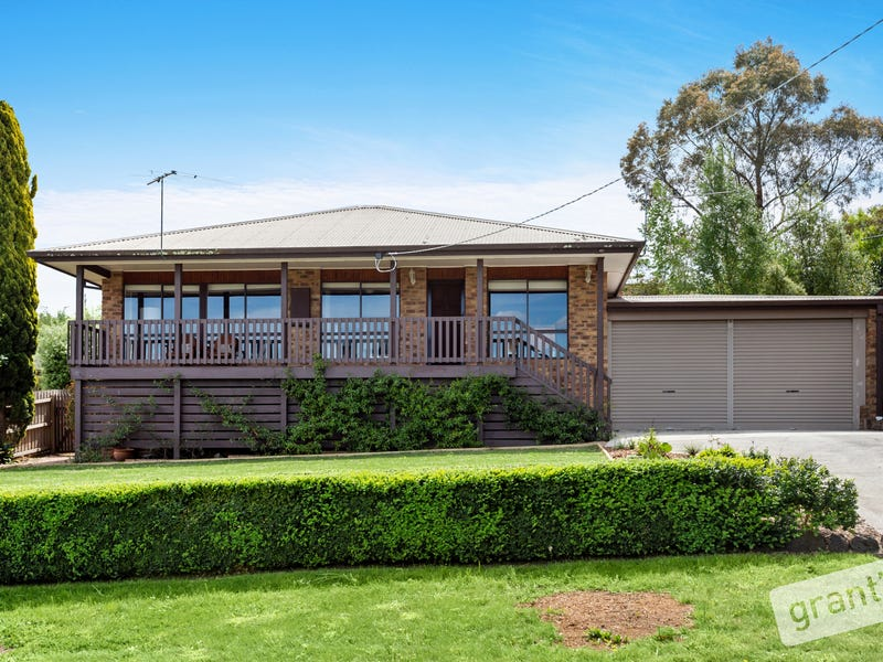 12 Mansell Court, Garfield, Vic 3814