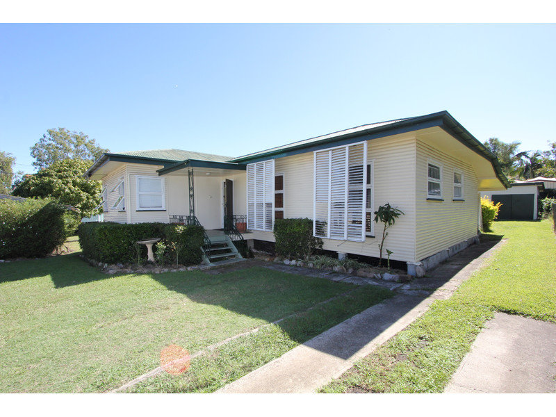 2 Shapcott Street, Eastern Heights, Qld 4305
