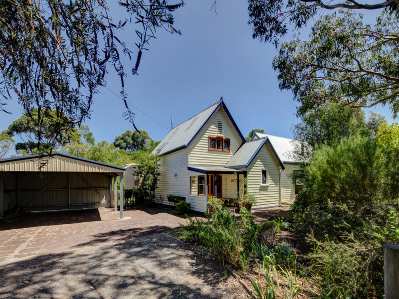 5 Barkers Road, St Helens, Vic 3285