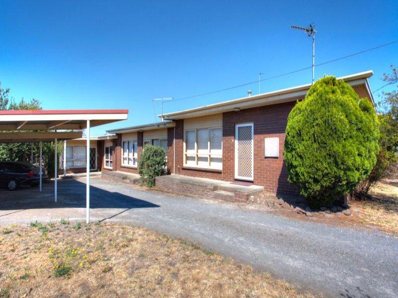 1-3/1 Kinnane Court, Ballarat North, Vic 3350