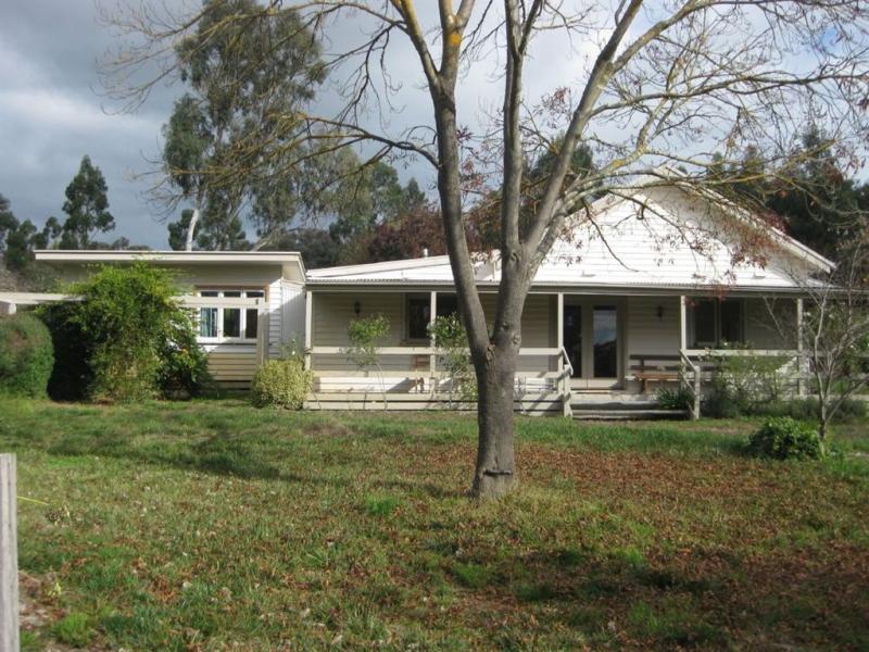 42 Sierra Hills Drive, Yea, Vic 3717