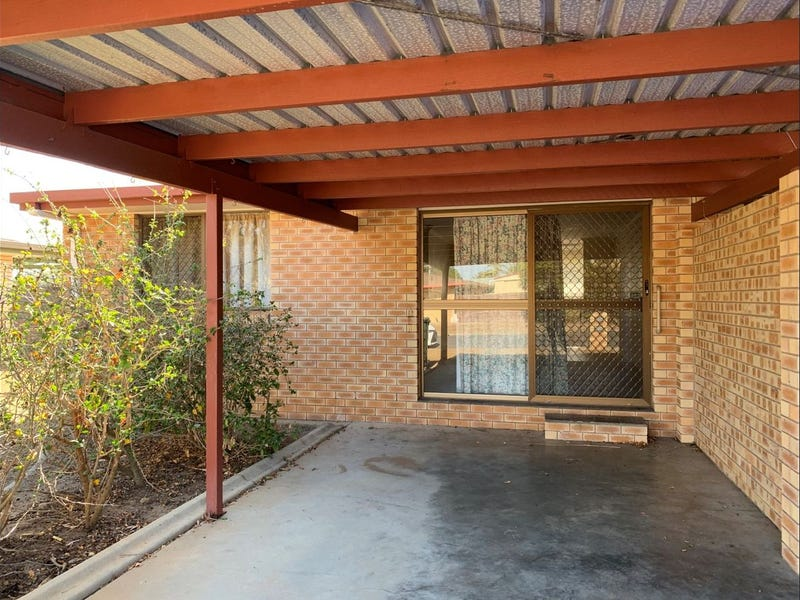 2/8 Tadgell Court, Avenell Heights, Qld 4670