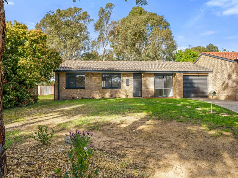 8 Skertchly Place, Florey, ACT 2615