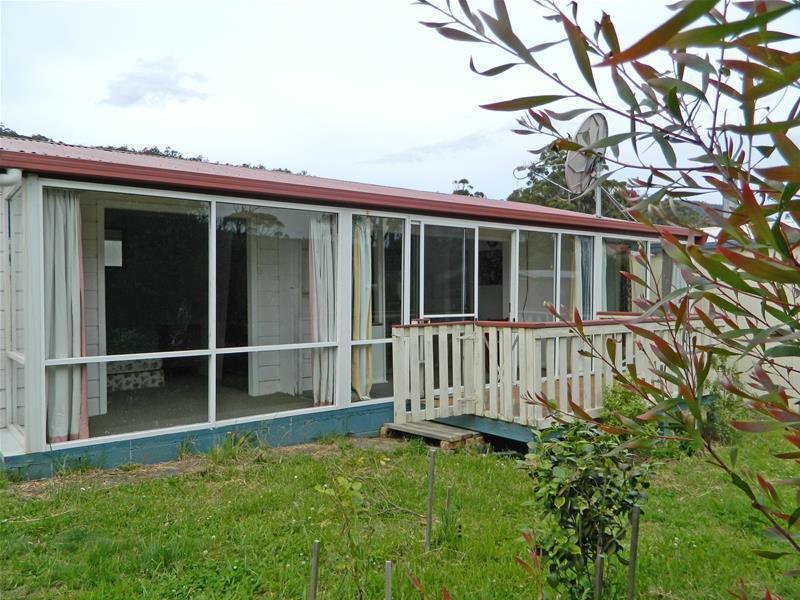 6696 Channel  Highway, Deep Bay, Tas 7112