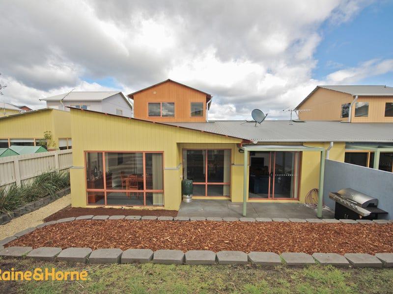 7 malachi drive kingston tas 7050 property details for Kingston swimming pool tasmania