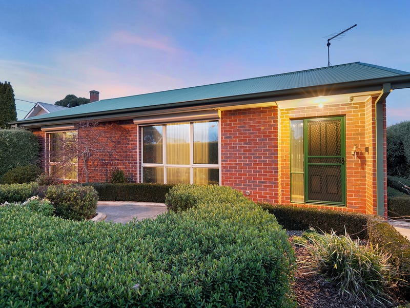 1/232 Humffray Street North, Brown Hill, Vic 3350