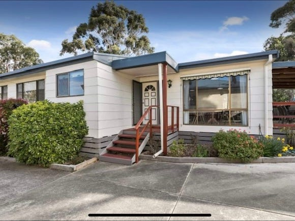 4 Jenner Avenue, Cowes, Vic 3922