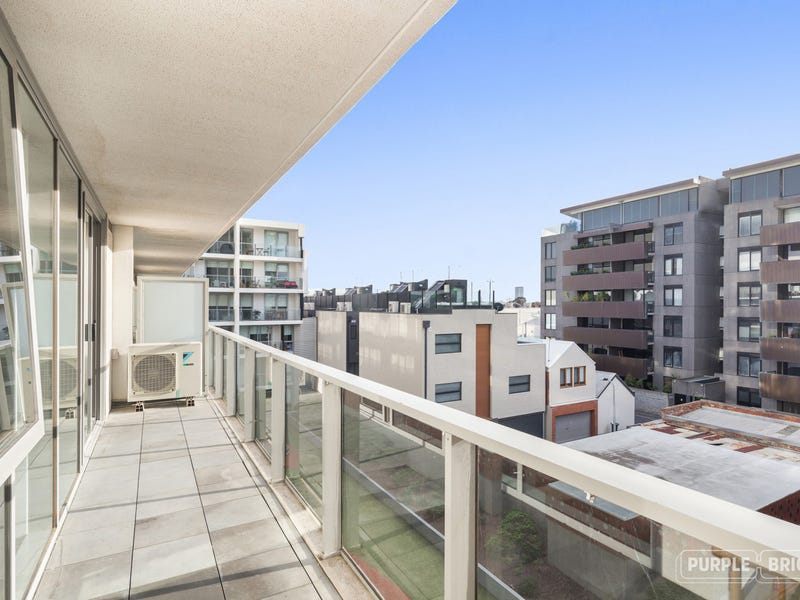 303 101 Bay Street, Port Melbourne