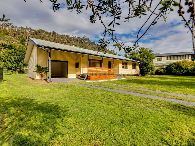 68 Foxlow Street, Captains Flat, NSW 2623