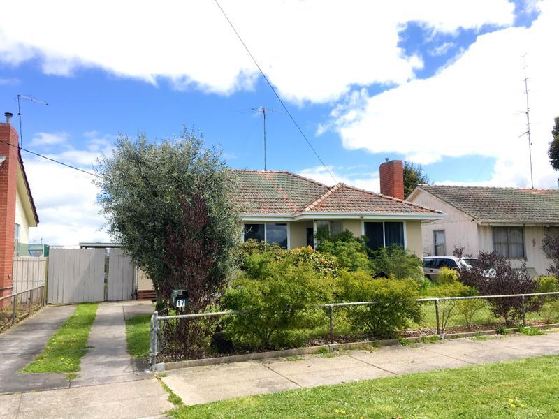17 Banksia Road, Wendouree, Vic 3355