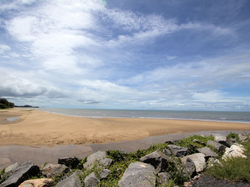 Lot 1, 259 O'Shea Esplanade, Machans Beach, Qld 4878
