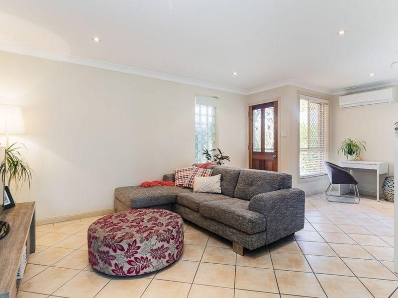 2/8 Prince Street, Waratah, NSW 2298