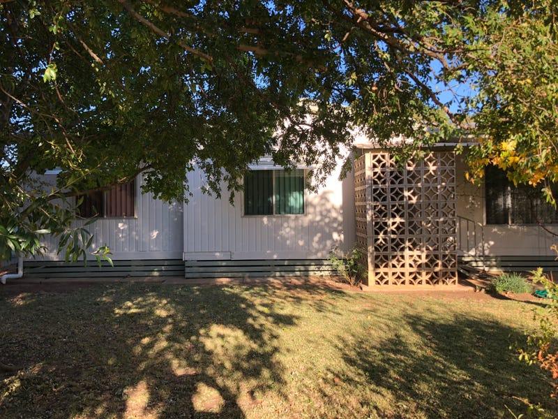 34 Wamboin Street, Gilgandra, NSW 2827