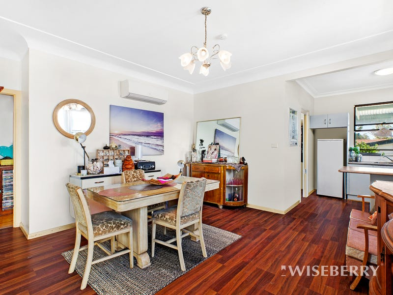 2 Greenway Avenue, Mannering Park, NSW 2259