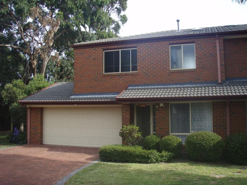 8 Enfield Place, Forest Hill