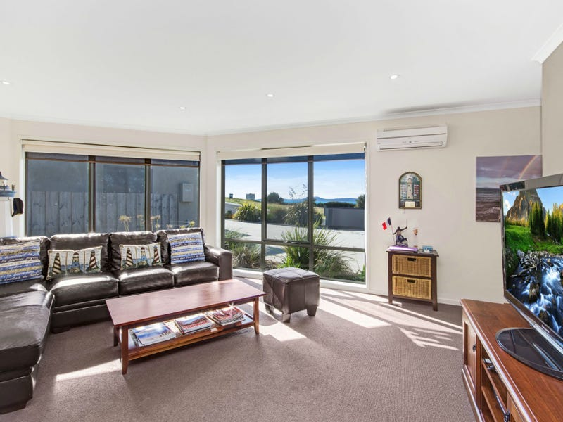Unit 2/4 Aqua Sands Drive, Swansea, Tas 7190