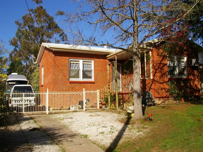 17 Melrose Avenue, Clare, SA 5453