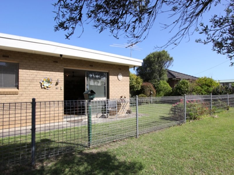 28 Cleeland Street, Newhaven, Vic 3925