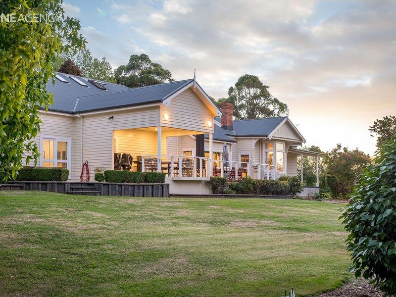 10 Algona Avenue, Round Hill, Tas 7320