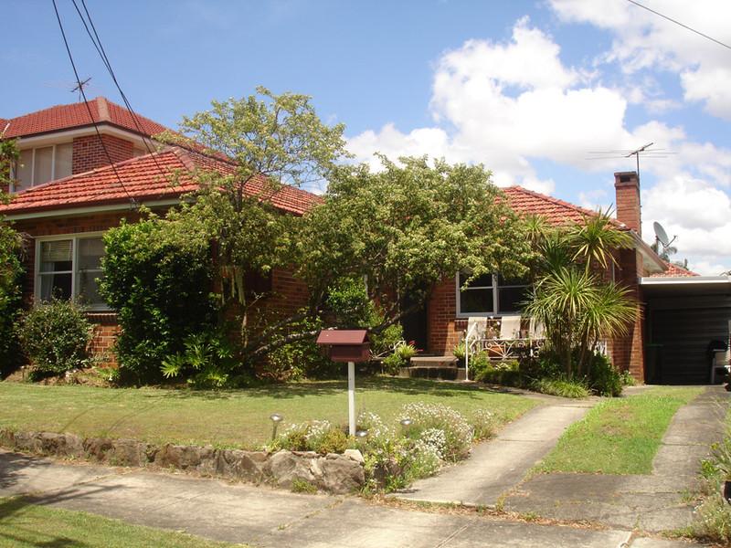 37 Princess Ave, Rodd Point, NSW 2046