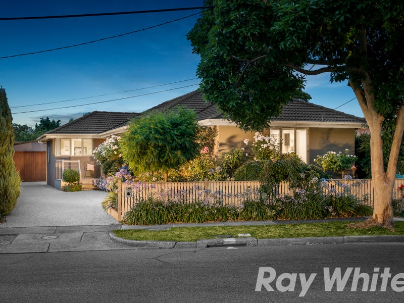 32 Newhaven Road, Burwood East, Vic 3151