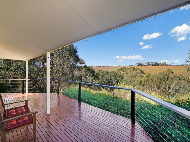 174 Upper Penneys Hill Rd, Onkaparinga Hills, SA 5163