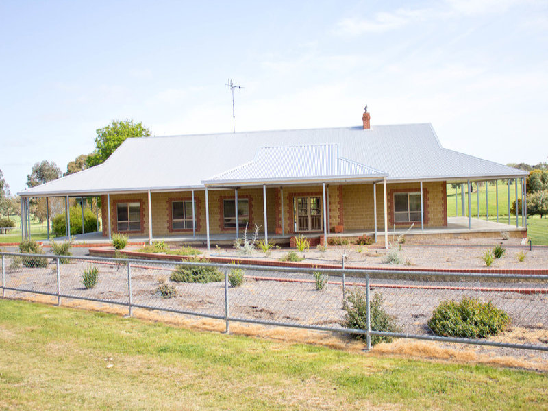 """JOYCIES HILL"" 5 Coolalie Road, Yass, NSW 2582"