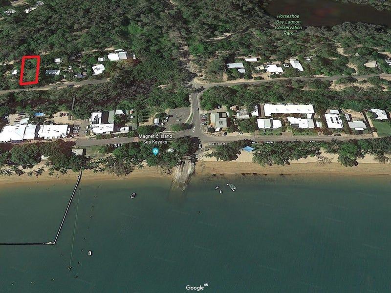 44 Henry Lawson St, Horseshoe Bay, Qld 4819