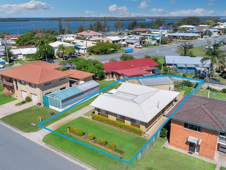 2 Gerrybell Street, Golden Beach, Qld 4551