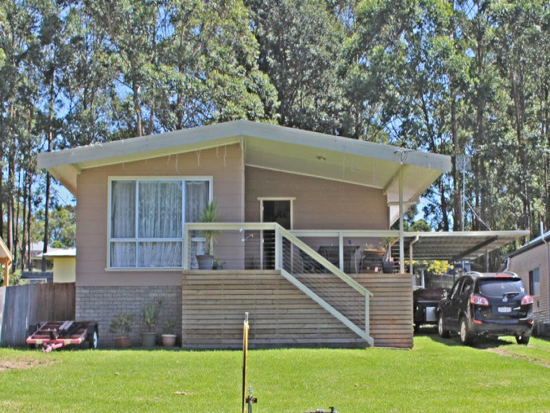 31 Cornfield Parade, Fishermans Paradise, NSW 2539