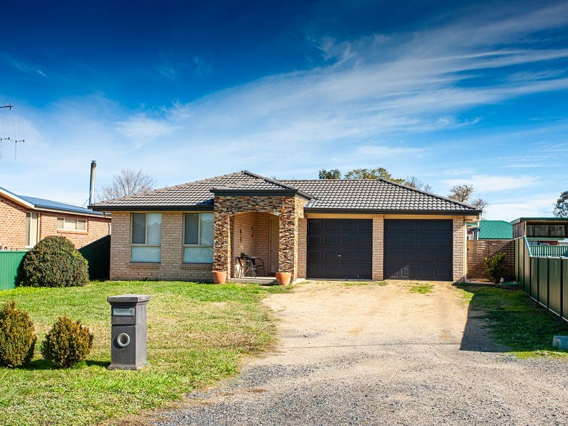 3 Clifton Street, Crookwell, NSW 2583