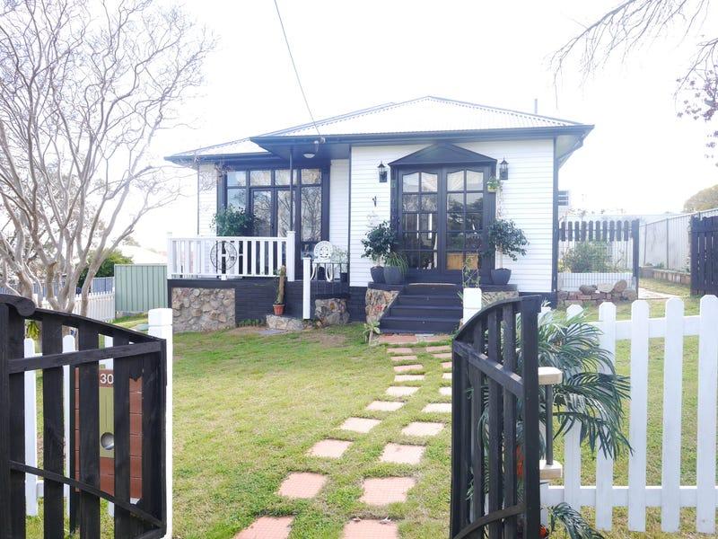 30 Macassar Street, Cowra, NSW 2794