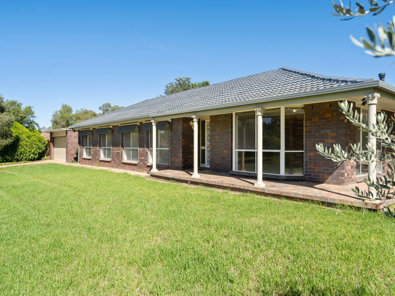 34 Pugsley Avenue, Estella, NSW 2650