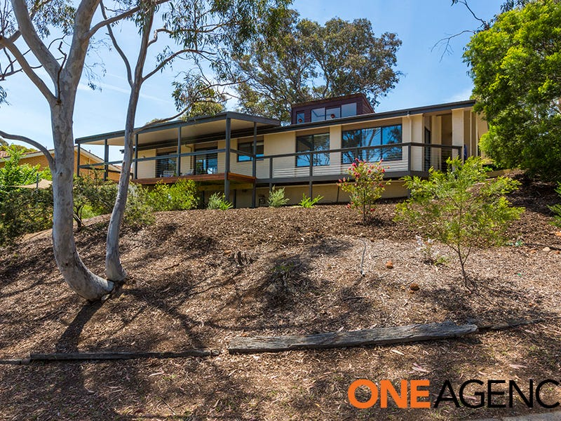 4 Lawrence Crescent, Kambah, ACT 2902