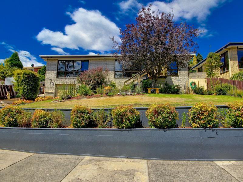 62 Surrey Street, Devonport, Tas 7310