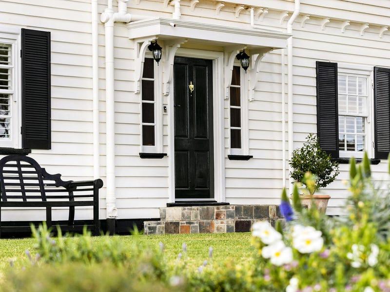 2 Roehampton Crescent, Mount Eliza, Vic 3930