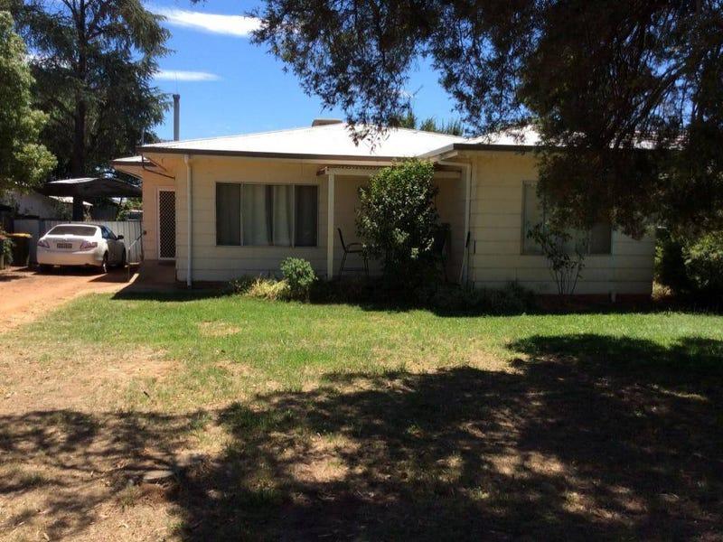 176 DANDALOO STREET, Narromine, NSW 2821