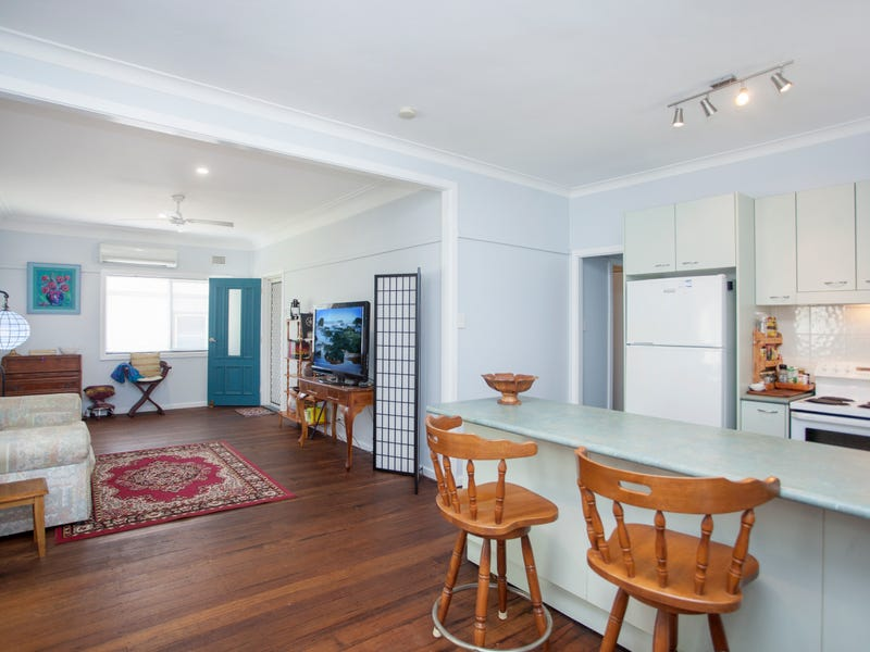19 Robertson Street, Taree, NSW 2430