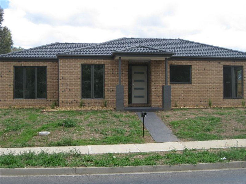 5-7 Whatton Place, Yea, Vic 3717