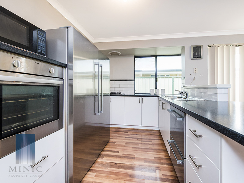 10 Donegal Court, Seville Grove, WA 6112