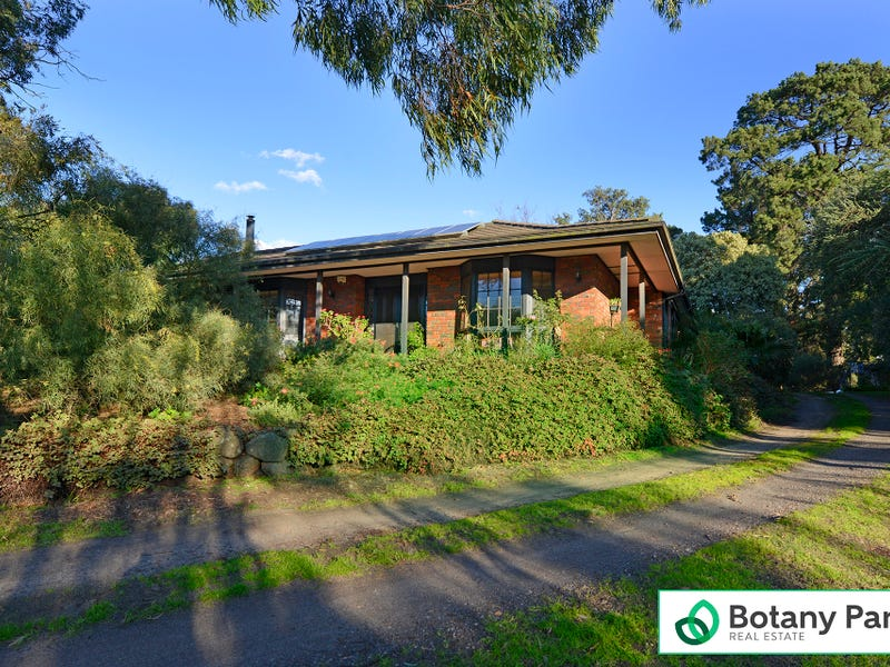 34 Valley Road, Langwarrin, Vic 3910